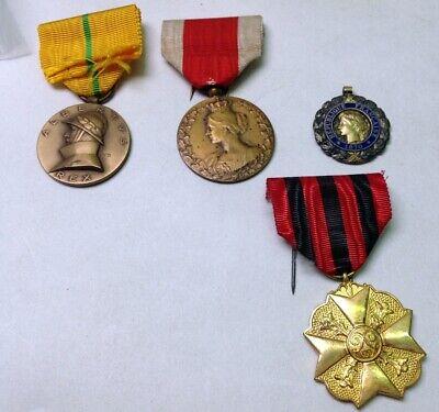 Lot de divers médailles militaires armée belge Belgique medal 213m70(15)