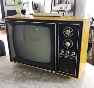 TV RETRO / VINTAGE  PANASONIC AN-162 Uhf