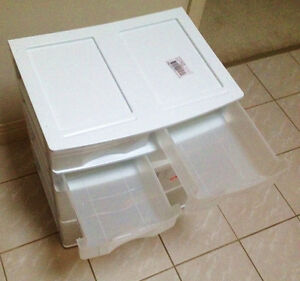Dresser Light Plastic for Student or Child Clean and Little Used Sarnia Sarnia Area image 3