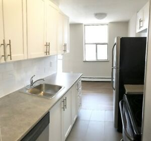 MOVE IN READY!!! 1 Bedroom Apartment