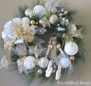 SALE--Christmas Elf Wreath/Gold/White/Champagne Holiday Wreath Belleville Belleville Area image 6