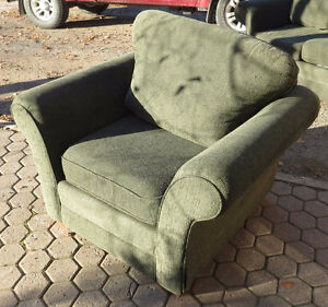 GREEN LOVE SEAT AND CHAIR