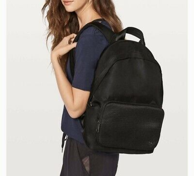 Lululemon Everywhere Backpack (17L) -Black