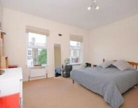 VERY LARGE DOUBLE ROOM IN WOOD GREEN