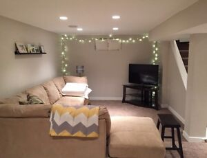 Female Short Term Roommate Wanted