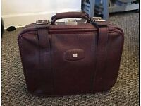 Lovely vintage retro suitcase hand held/small size
