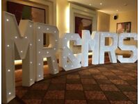 Business!!!! 4ft wooden Mr & Mrs letters