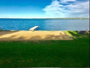 Lakefront Vacation Home Rental Lac Ste. Anne