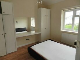 SPACIOUS DOUBLE ROOM 2 minutes away from Cockfosters Station