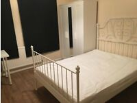 LARGE ROOM NEAR WHITECHAPEL AVAILABLE FROM 10/01/2018 - £799.00 per month - with all bills included