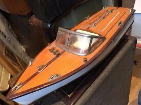 Thames/ Venice Model cruiser