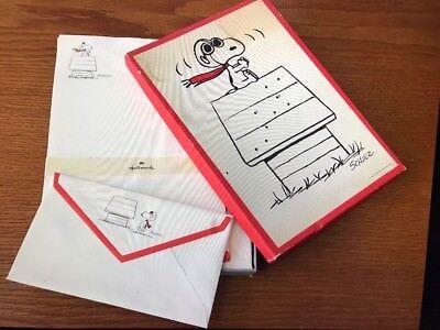 Vintage Snoopy Woodstock Peanuts Hallmark Stationary 12 Doghouse Sheets Envelope