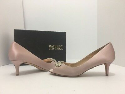 Badgley Mischka Layla Blush Satin Women's Evening Bridal Peep Toe Heels Pumps 7 Blush Satin Schuhe