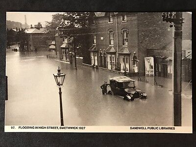 RP Vintage Postcard - Staffs. #B18 - Flooding In High Street, 1927 - Car Stuck