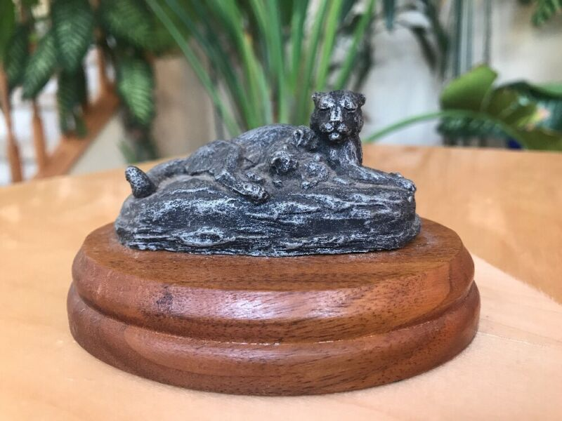 DEATON MUSEUM STUDIO Small Resin MOUNTAIN LION Figurine on WOODEN BASE