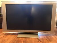 """Sony Bravia LCD TV KDL-46X2000 46"""" Freeview 2xHDMI 1080P Full HD with stand"""