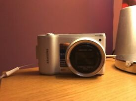 Samsung WB800F Smart Camera 16.1 MPX WHITE ..with charger lead and case .MINT CONDITION