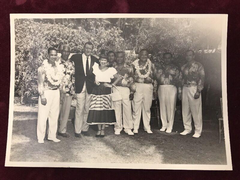 Duke & Nadine Kahanamoku with John Wayne Photo with entourage (band) 1950-51