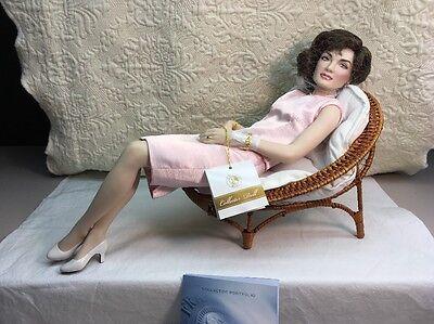 """The Franklin Mint Jacqueline Kennedy Porcelain Portrait Doll 16"""""""