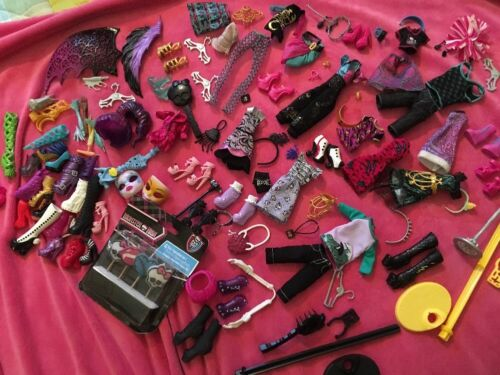 💙Massive Monster High Bundle Of Clothes And Accessories! Great Used Condition💜