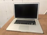 Macbook Pro 15inch laptop Intel Quad Core i7 processor 256gb SSD hard drive