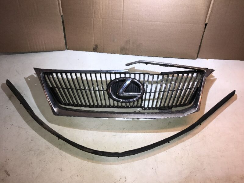 2005 - 2013 LEXUS IS220 IS250 FRONT MAIN GRILL / GRIL / GRILLE WITH BADGE SPARES