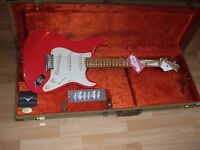 FENDER 50's Classic Stratocaster and Fender USA G&G Tweed case.