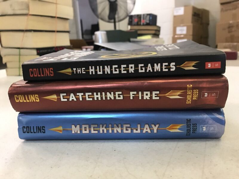 The Hunger Games Set for $13.99 and Free Shipping!