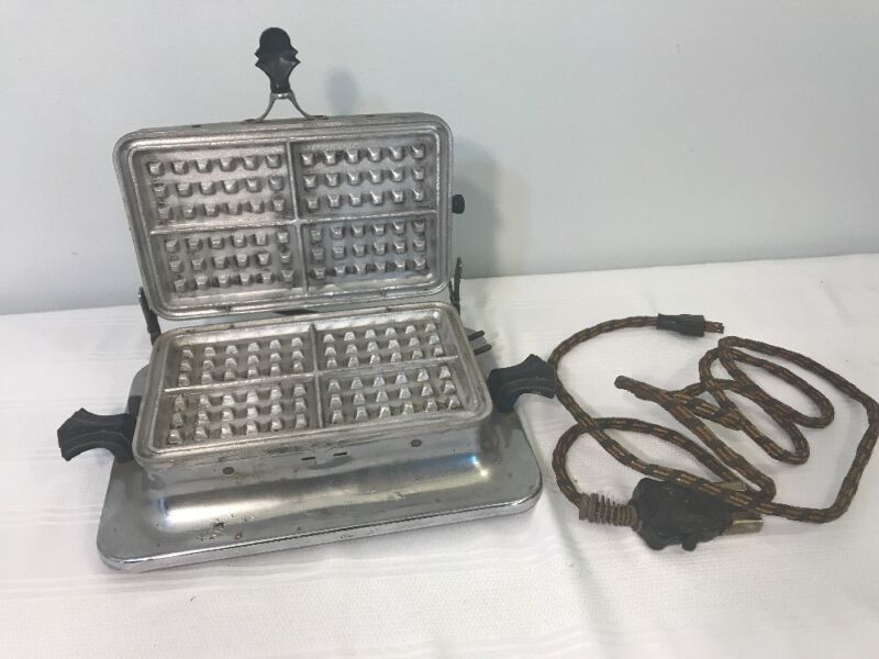 Vintage Lady Hibbard Spencer Bartlett 244 Electric Waffle Maker W/ Power Cord
