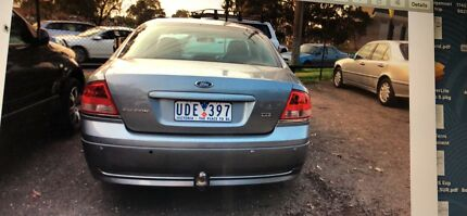 Ford falcon 2006 for only 2400$