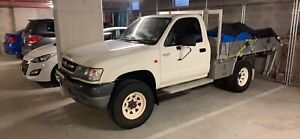 2002 Toyota hilux manual 4WD SWAPS FOR SS SEDAN
