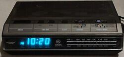 Vintage GE General Electric 7-4642B Digital Alarm Clock AM/FM Radio