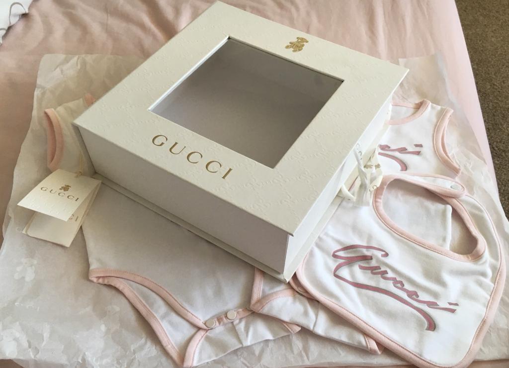 Gucci baby gift set  941286438e258