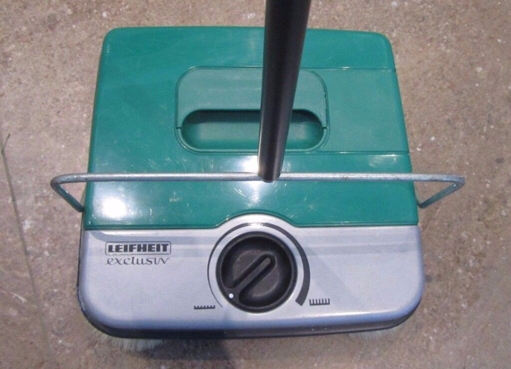 Leifheit Exclusiv Push Along Mechanical Floor Sweeper For