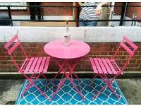 Cute metal table and chairs
