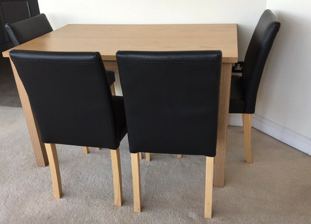 Primo 120 Cm Dining Table With 4 Faux Leather Chairs In