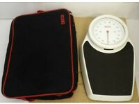 Mechanical Medical / Bathroom / Gym Scale 150kg x 1kg Seca 761 with carry bag