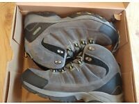 Hi-Tec Otter Trail charcoal/graphite waterproof hiking boots size 11 UK barely worn