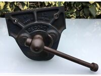 """VINTAGE RECORD No 52 VICE, QUICK RELEASE WOODWORK VICE, 7"""" JAW OPENS TO 8"""" 1930s?"""