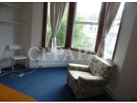 £330 pw   A beautiful 2 bedroom flat with a garden in Haringey.
