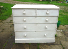 Chest of Drawers painted in Chalk White with 5 Drawers