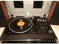 Vintage 1970s Fidelity UA9 Record Player / Radio + original speakers .Perfect working order
