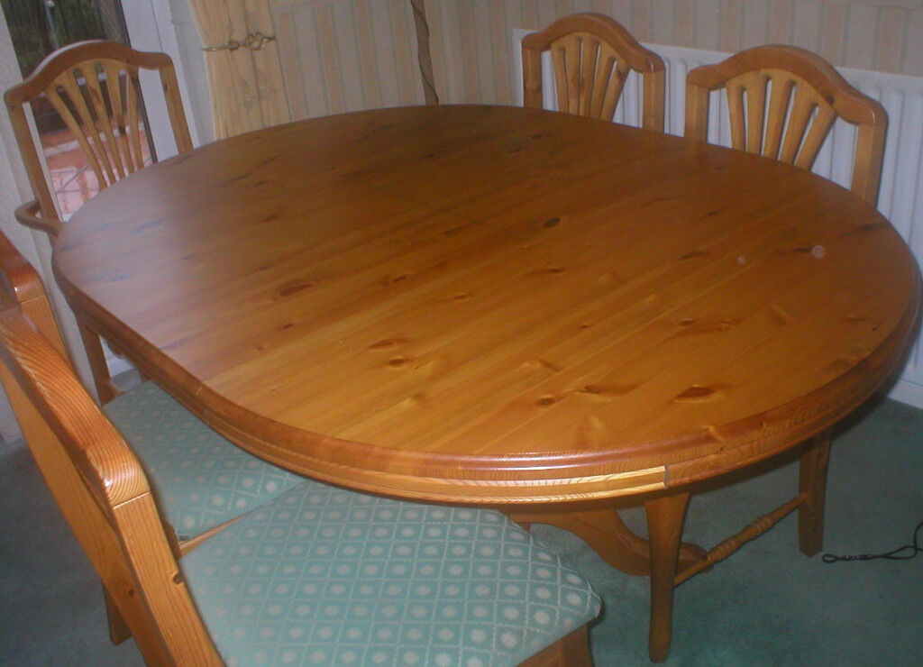 Westminster Pine Dining Set   Extendable Table/6 Chairs/Dresser/Corner Unit.