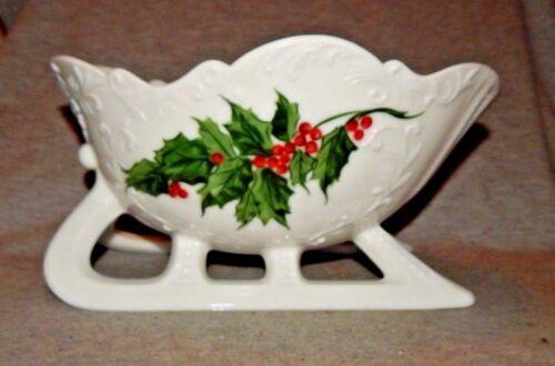 "WESTMORELAND WHITE MILK GLASS CHRISTMAS SLEIGH CENTERPIECE BOWL DISH 9"" Long"
