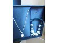necklace and bracelaet set