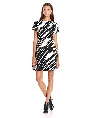 Vince Camuto Women's Cap Sleeve Graphic Wave Flare Dress Black/White (Women's Cap Sleeve)