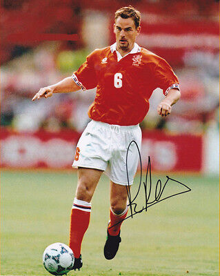 Ronald de Boer, Holland, Glasgow Rangers, Ajax, signed 10x8 inch photo. COA.