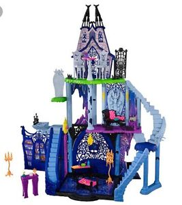 Monster High Large Catacombs Play Castle