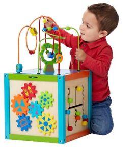 Cube d'activités en bois Imaginarium