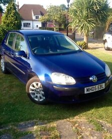 Vw golf tdi. Parrot Handsfree/audio kit. 4 x spare winter tyres and roof rack included